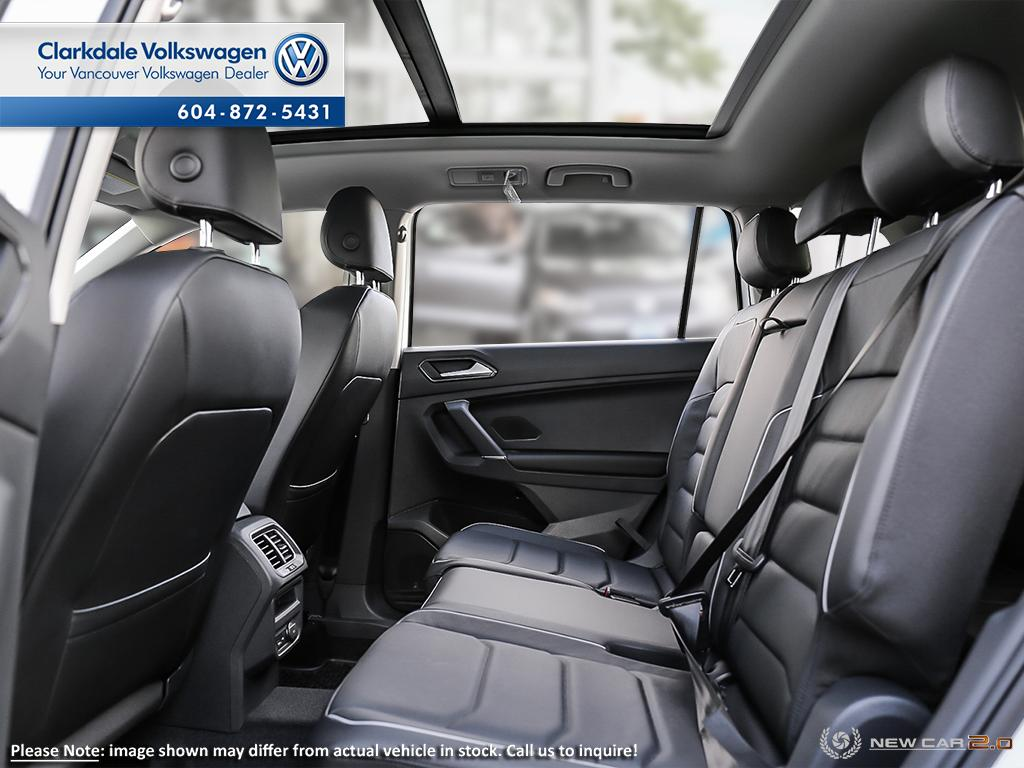 New 2018 Volkswagen Tiguan Highline 2.0T 8sp at w/Tip 4M