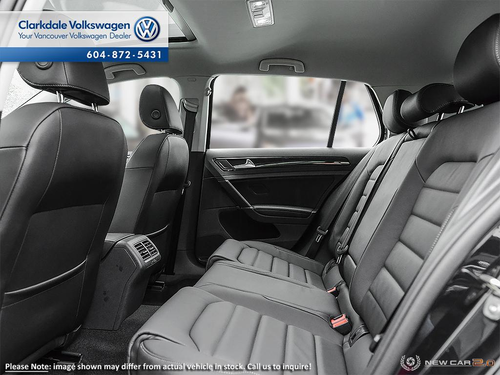 Pre-Owned 2018 Volkswagen Golf 5-Dr 1.8T Highline 6sp at w/Tip