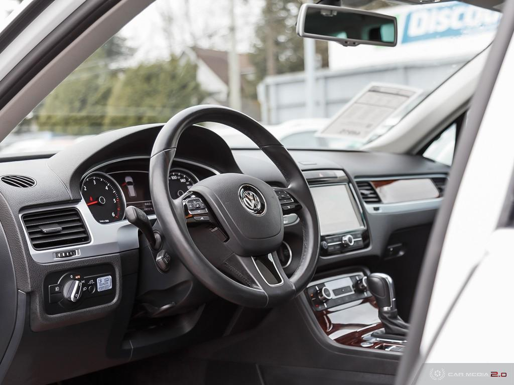 Certified Pre-Owned 2014 Volkswagen Touareg Highline 3.0 TDI 8sp at Tip 4M