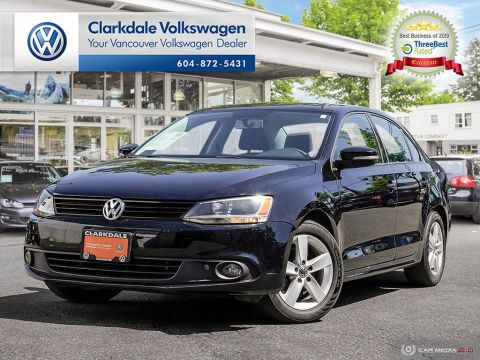 PRE-OWNED 2014 VOLKSWAGEN JETTA TRENDLINE PLUS 2.0 TDI 6SP DSG AT W/ TIP FRONT WHEEL DRIVE 4-DOOR SEDAN