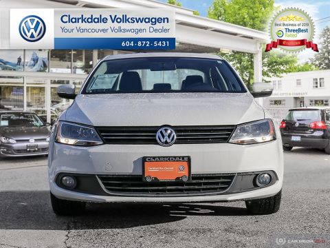 Certified Pre-Owned 2013 Volkswagen Jetta Highline 2.5 6sp at w/Tip
